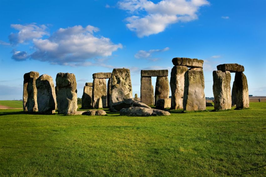 Stonehenge_curious_aspects_04