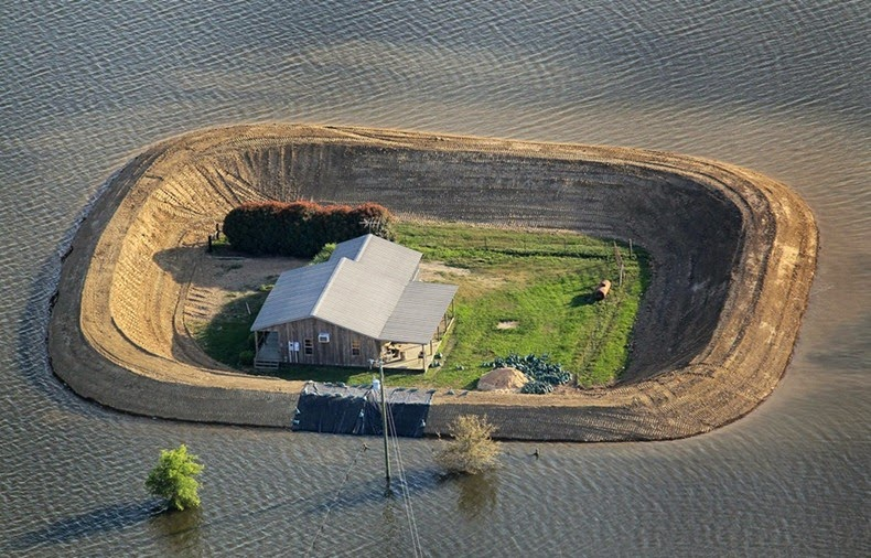 Home_Islands_mississippi-flooding
