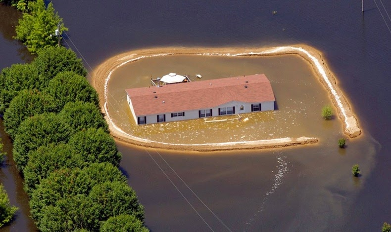 Home_Islands_mississippi-flooding_5