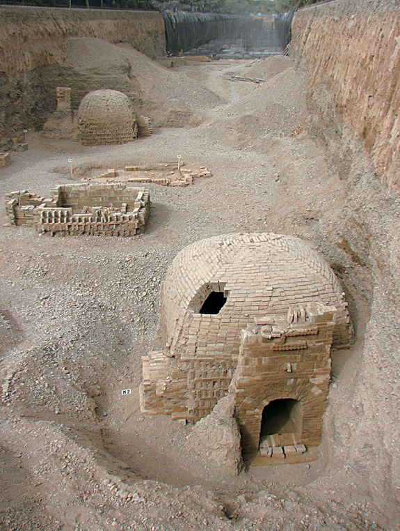 1700-year old_Silk Route tomb