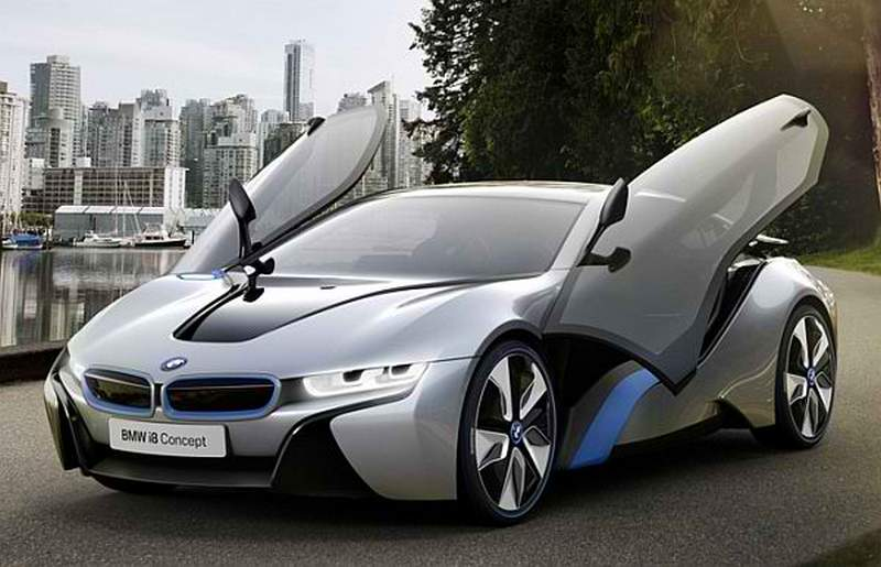 BMW_Light-and-Charge_Streetlight_EV