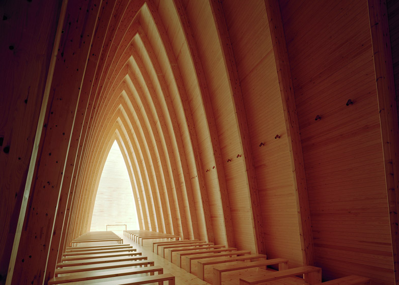 Ecumenical-Art-Chapel-Sanaksenaho-Architects_2