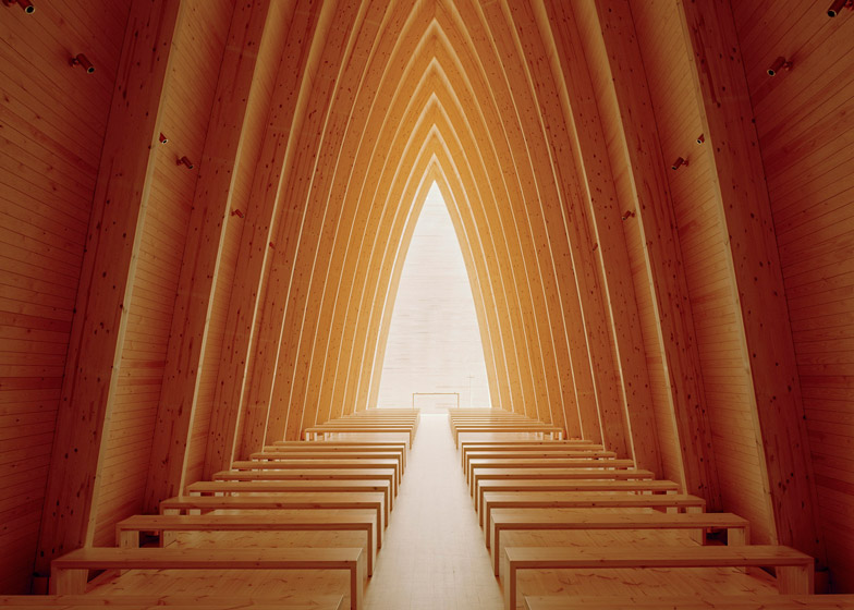 Ecumenical-Art-Chapel-Sanaksenaho-Architects_3
