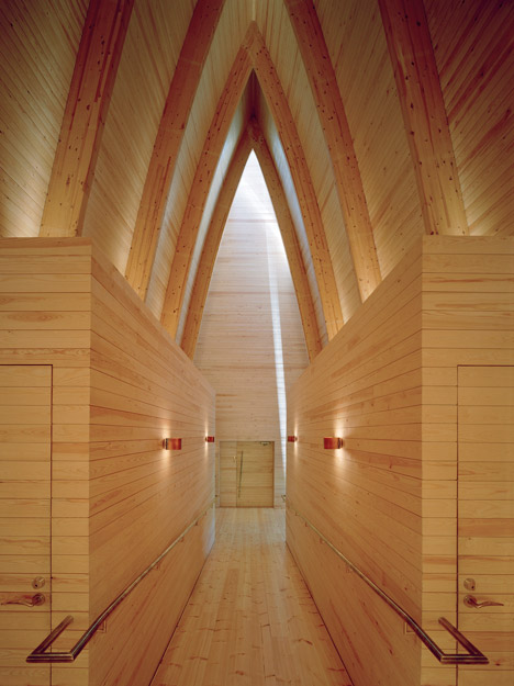 Ecumenical-Art-Chapel-Sanaksenaho-Architects_5