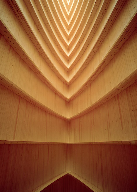 Ecumenical-Art-Chapel-Sanaksenaho-Architects_6