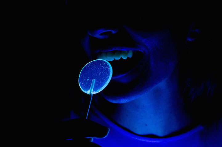 Fluorescent lollipops_1