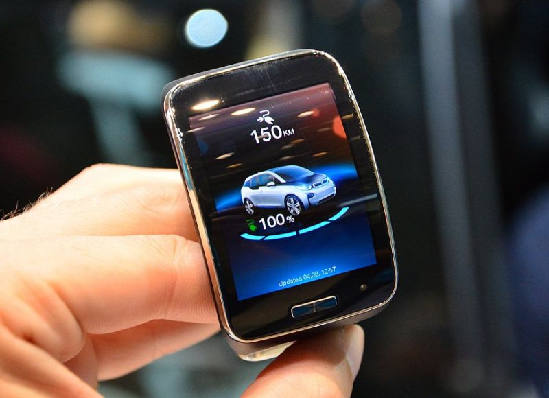 BMW i3_Samsung Gear S Smartwatch
