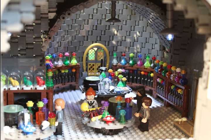 Hogwarts_400000_LEGO_Bricks_Alice_Finch_6