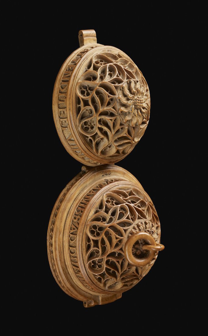 16th Century Prayer Nut-8