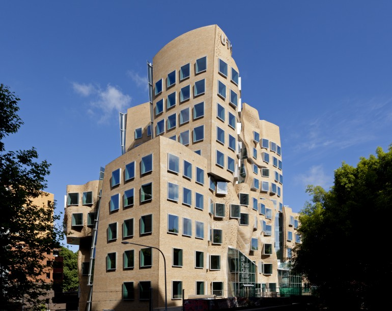 Frank Gehry_Dr Chau Chak Wing Building_2