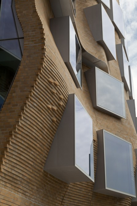 Frank Gehry_Dr Chau Chak Wing Building_5