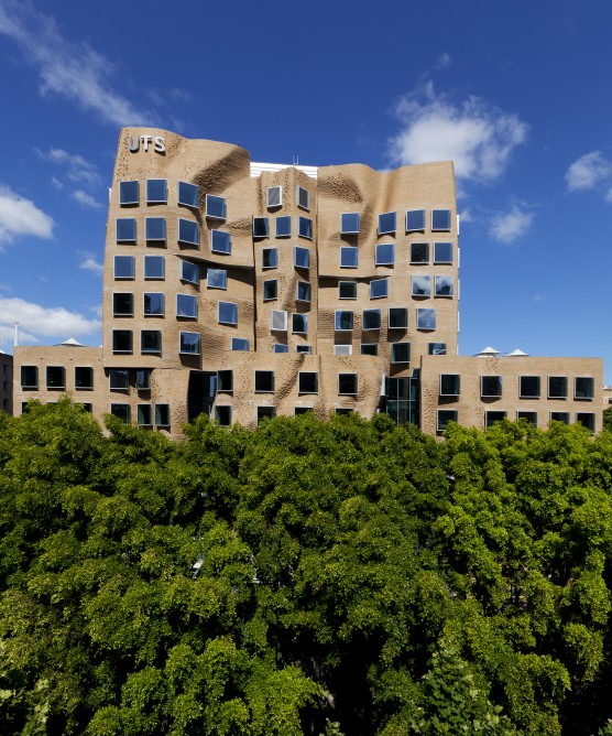 Frank Gehry_Dr Chau Chak Wing Building_6
