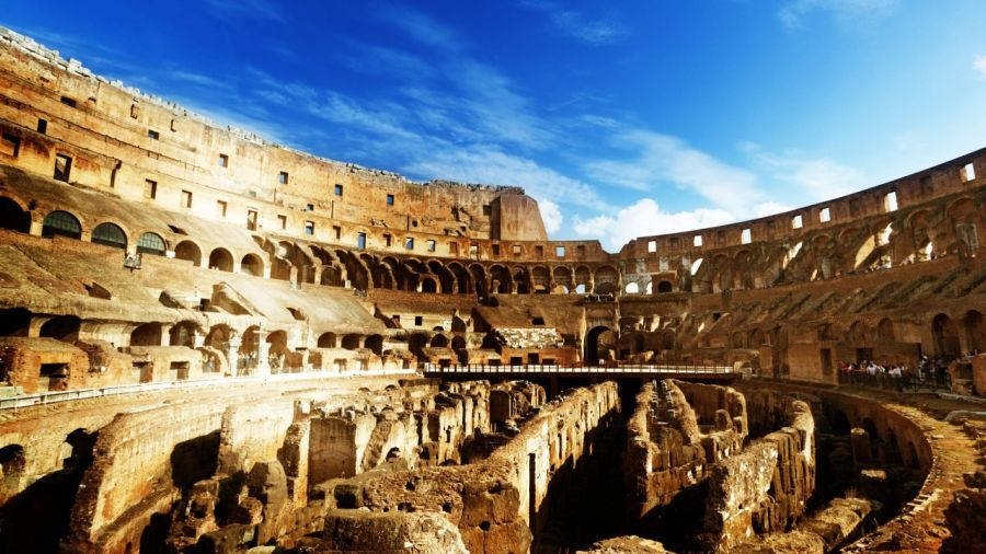 Red_paint_traces_restoration_Colosseum_1