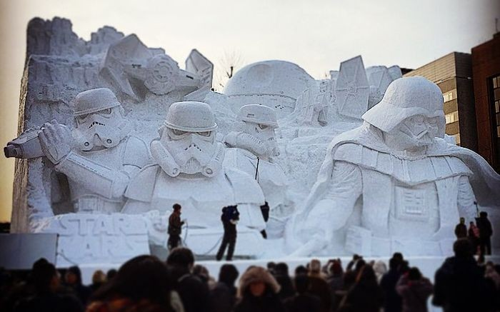 Massive and impressively detailed star wars ice sculptures made by the