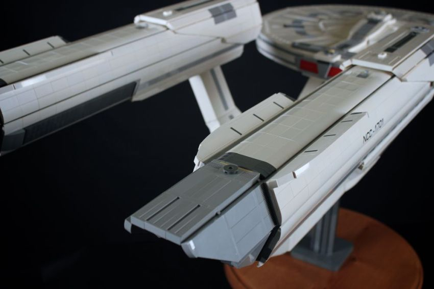 Starship Enterprise_LEGO_Chris_Melby_6