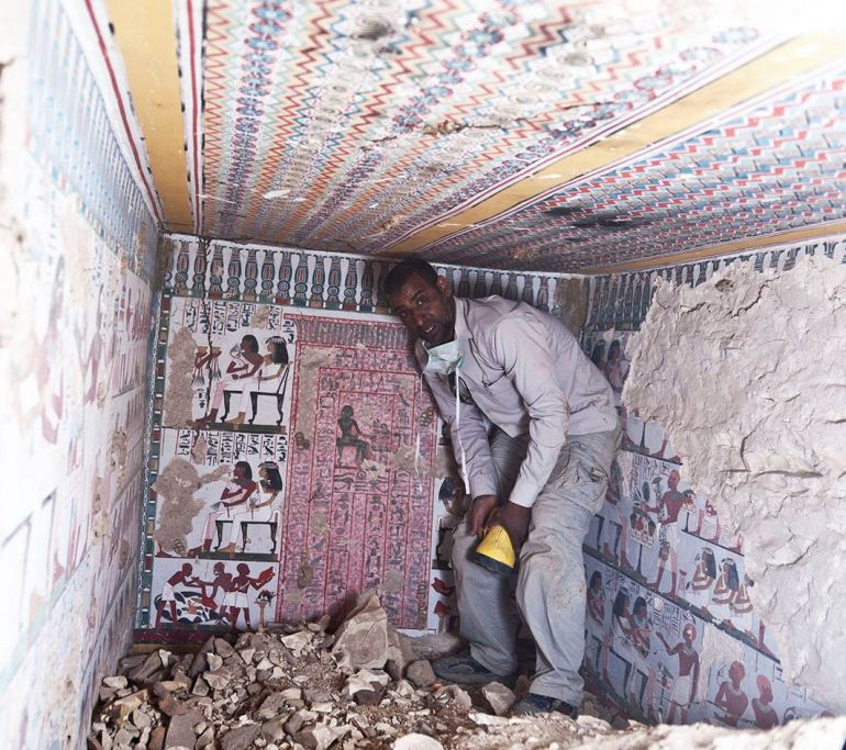 Ancient_Egyptian_Tomb_Vibrant Murals_1