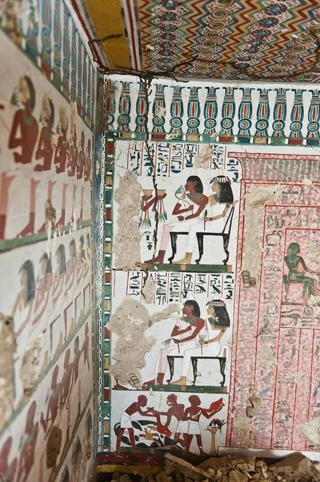 Ancient_Egyptian_Tomb_Vibrant Murals_3