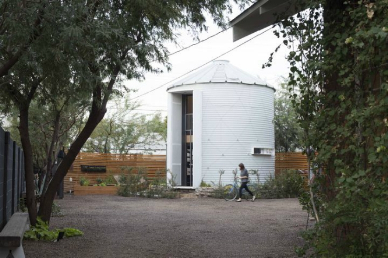 Christopher Kaiser Tranforms Former Silo Into Modern Dwelling-1