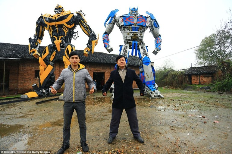 Farmer-Duo Creates Giant Transformers Sculptures-1