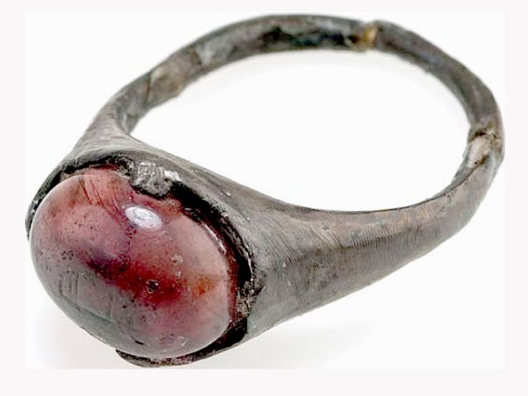 Ring_Inscribed_For_Allah_Viking_Grave_1