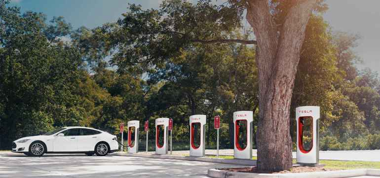 Tesla Adds 2000th Supercharger-8