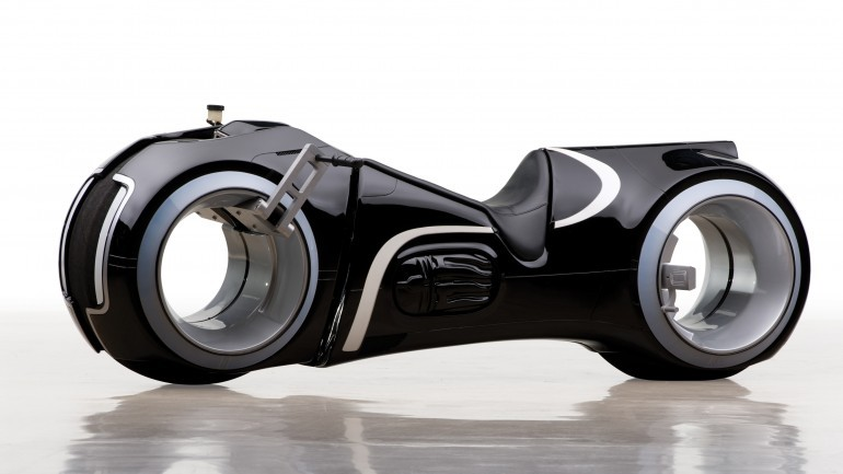 Tron Light Cycle Replica Goes To Auction-2