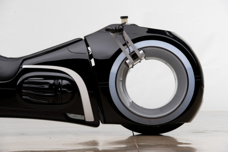 Tron Light Cycle Replica Goes To Auction-6