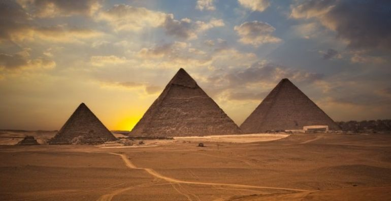 advanced_ancient_man-made_structures_Great_Pyramid_Giza_1