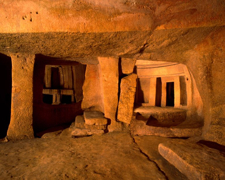 advanced_ancient_man-made_structures_Hypogeum_Hal_Safieni_1