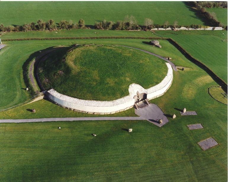 advanced_ancient_man-made_structures_Newgrange_1