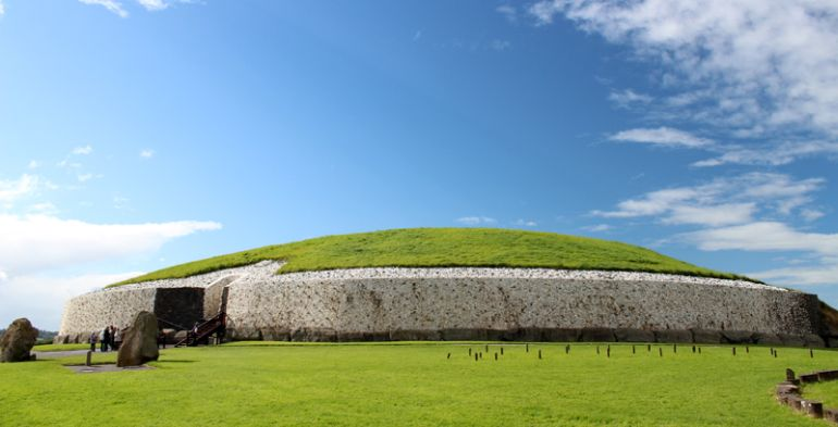 advanced_ancient_man-made_structures_Newgrange_2