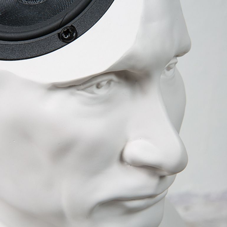 Amazing Bust Speaker Lets You Play Music From Putin's Head-3