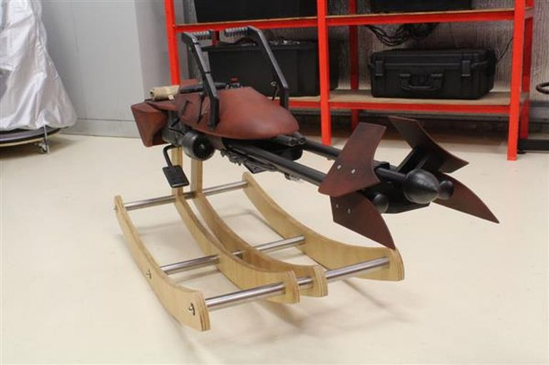 Artist Designs 'Star Wars' Rocking Horse For His Daughter-7