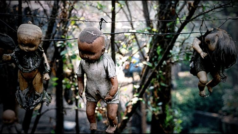Mexico's Island Of The Dolls Is Home To 1500 Mutilated Dolls-6