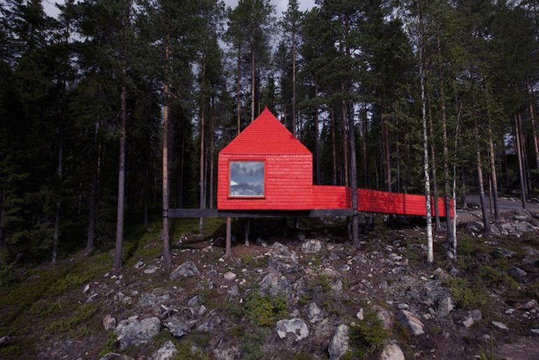 Swedish Hotel Features Bird's Nest And UFO-Shaped Cabins-10