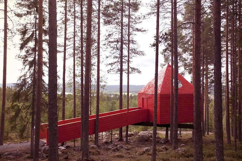 Swedish Hotel Features Bird's Nest And UFO-Shaped Cabins-11