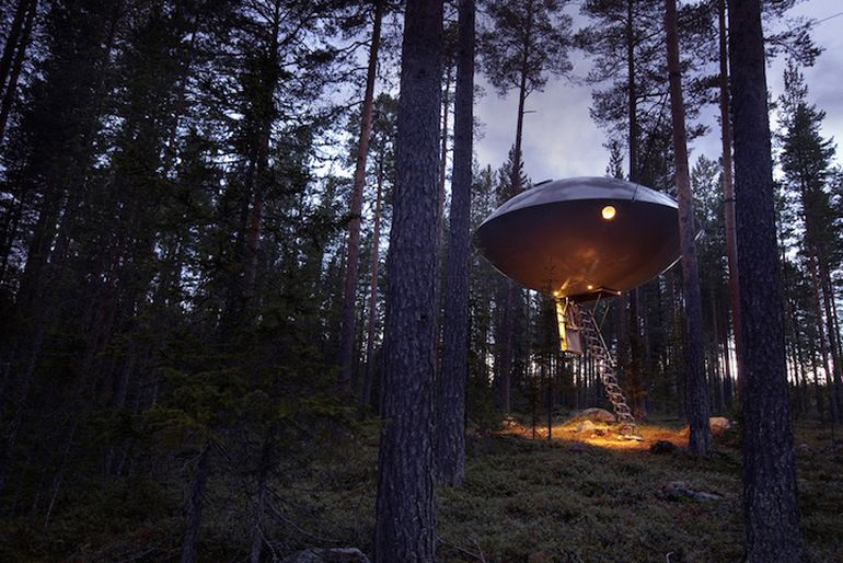 Swedish Hotel Features Bird's Nest And UFO-Shaped Cabins-2
