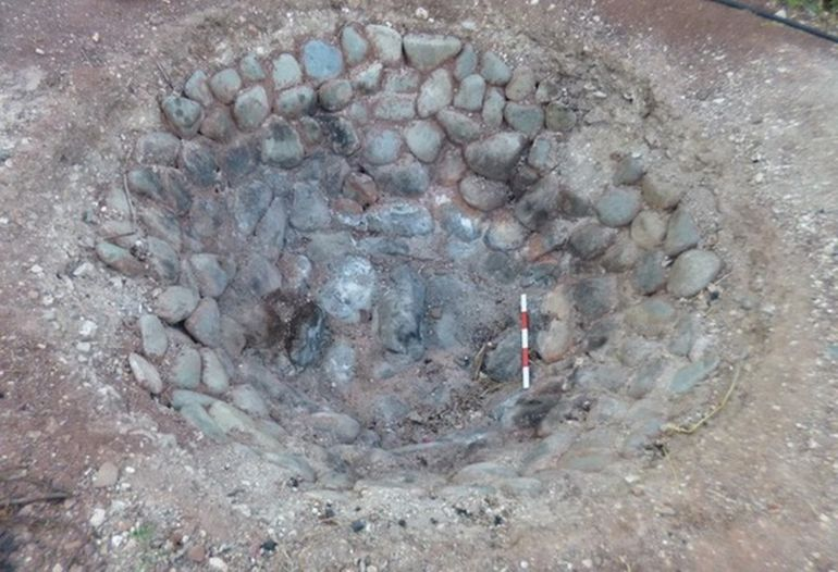 Archaeologists Recreate Neolithic Barbecue Pit Feast In Cyprus-5