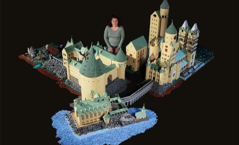 Biggest_LEGO_Creations_Hogwarts_1