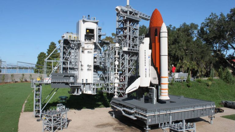 Biggest_LEGO_Creations_Kennedy_Space_Center_1
