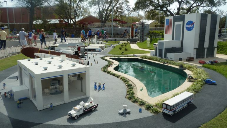 Biggest_LEGO_Creations_Kennedy_Space_Center_2