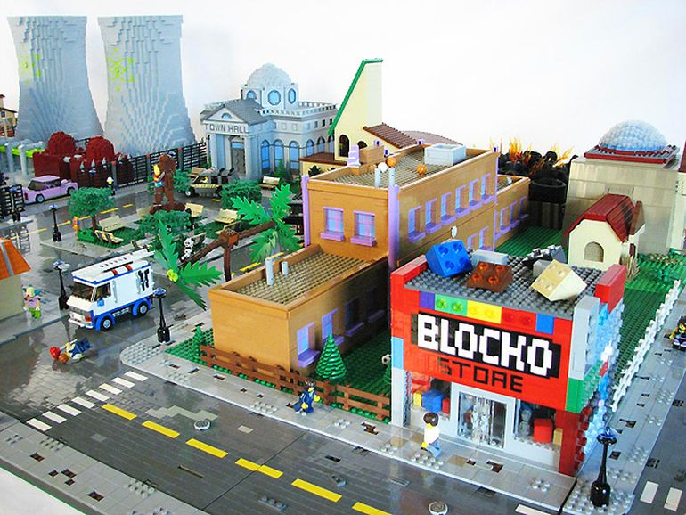 12 biggest lego creations that take it to the next level - Lego brick caravan a record built piece by piece ...