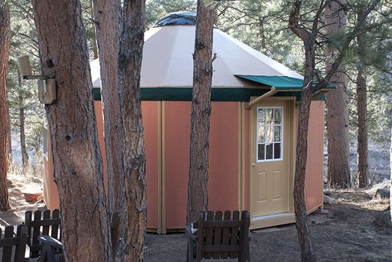 Freedom_Yurt-Cabins_Nomadic_Shelters_3