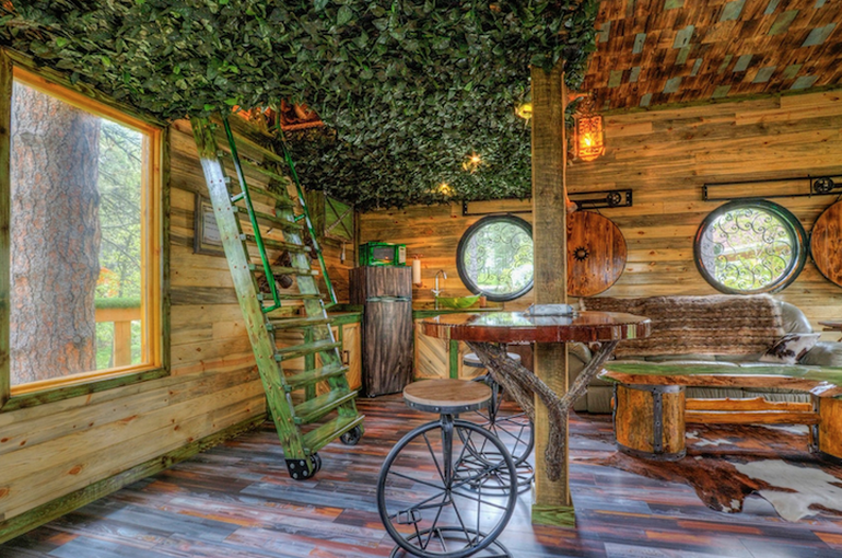 Spend Your Next Vacation In This Hobbit Hole-Esque Treehouse-5