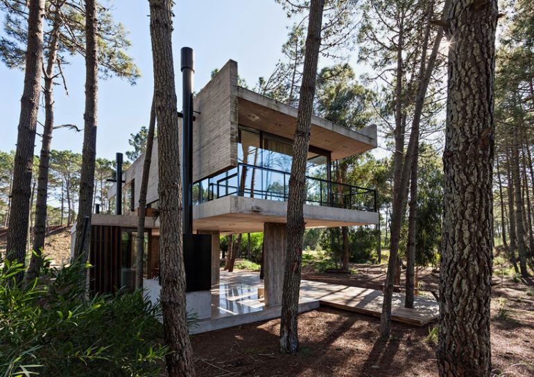 The Stunningly Rustic Marino House In Buenos Aires-1