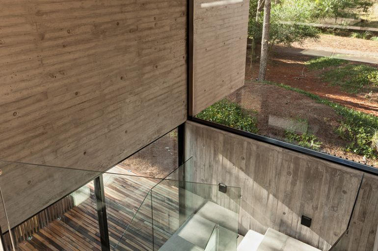 The Stunningly Rustic Marino House In Buenos Aires-5