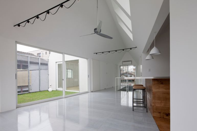 Tokyo-based Architects Design House That Can Be Shrunk In Size-7
