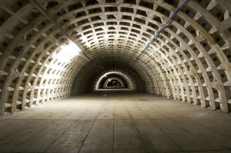 WWII Bomb Shelter Becomes London's First Underground Farm-2