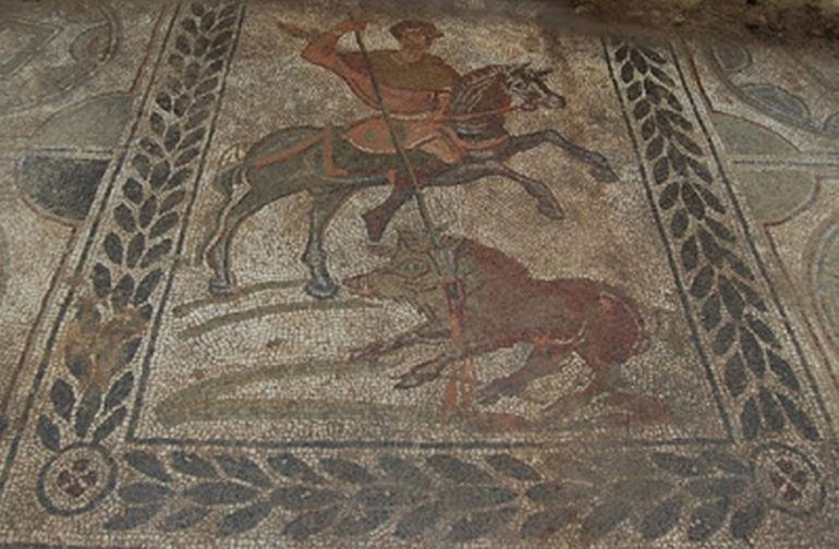 Archaeologists Uncover Ancient Roman Mosaic In Tuscany, Italy-3