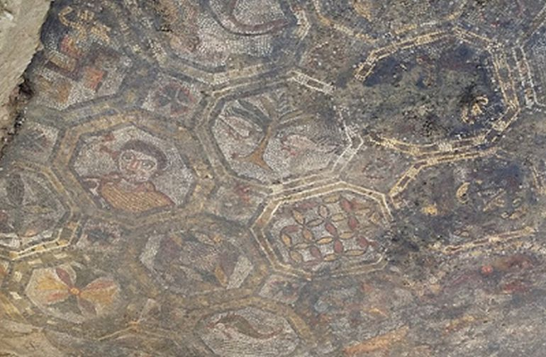 Archaeologists Uncover Ancient Roman Mosaic In Tuscany, Italy-4